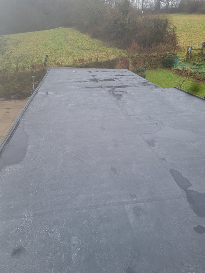 Garage flat roof in Leeds with a newly installed EPDM rubber roof